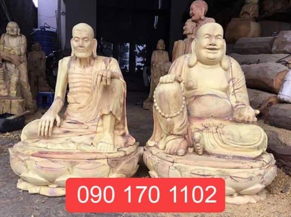 Tượng Phật Tuyết Sơn, Di Lạc gỗ mít