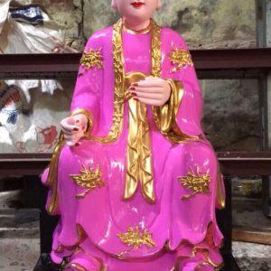 Tượng cô Chín áo hồng cánh sen