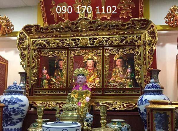 Khám thờ Mẫu thếp vàng