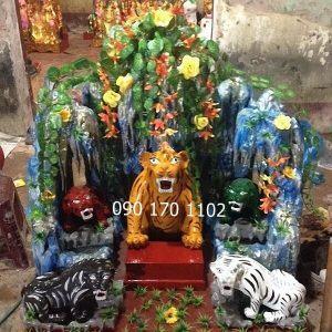 Động Sơn Trang thờ Ngũ Hổ