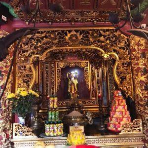 Cửa võng khám thờ Tiên Đồng