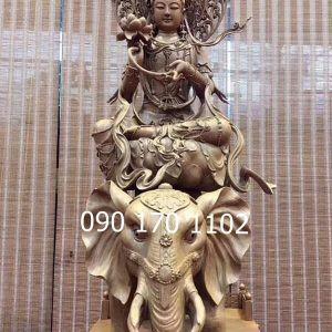 Tượng Bồ tát Phổ Hiền bằng gỗ