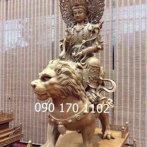 Tượng Bồ tát Văn Thù bằng gỗ