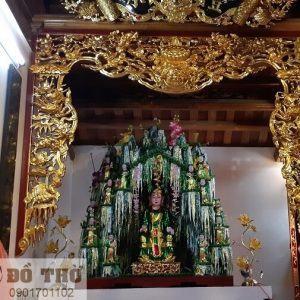 Cửa võng gian thờ Chúa Sơn Trang