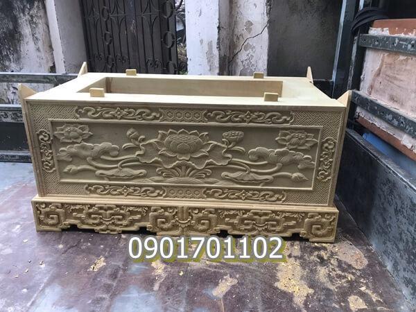 Quách gỗ vàng tâm chạm khắc tinh xảo-1