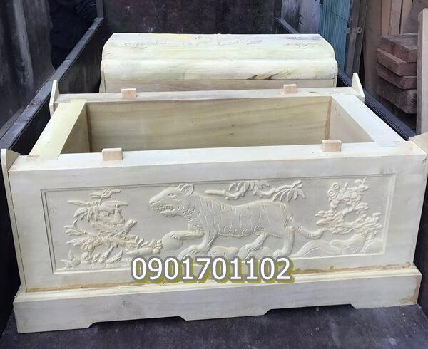 Quách gỗ vàng tâm chạm khắc tinh xảo-4