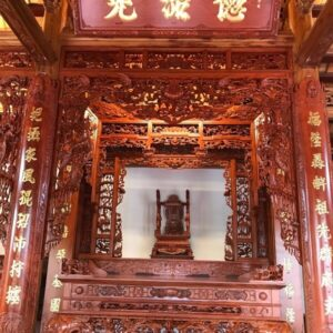 Gian thờ nhà 4 cột gỗ hương